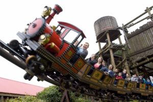 Attractions Near Me Top 10 Listings - Top 10 UK Theme Parks
