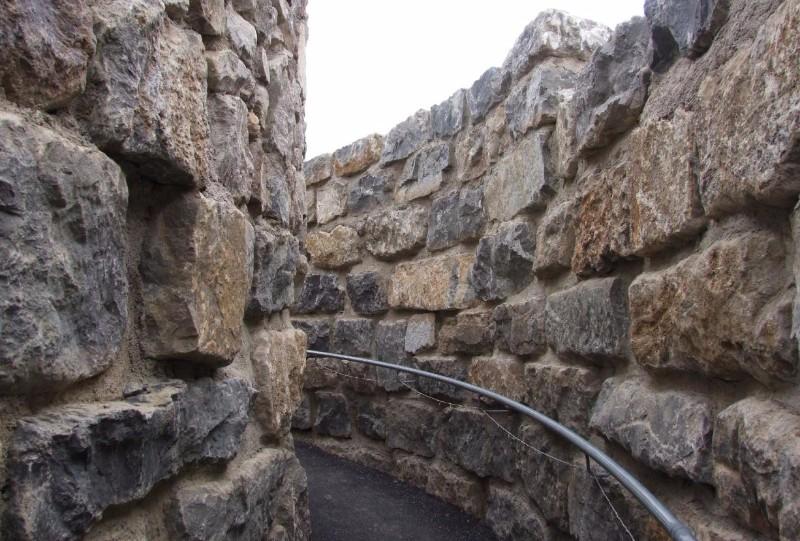 The-Coldstones-Cut-Winding-Pathways