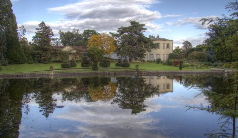 House-on-the-Lake-Thorp-Perrow-Arboretum-Wildlife-Park