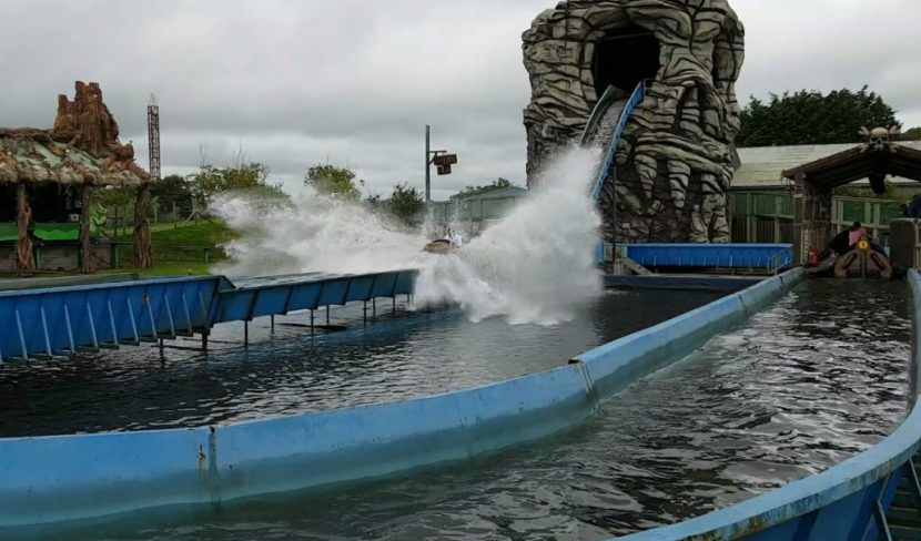 Oakwood - Skull Rock Log Flume