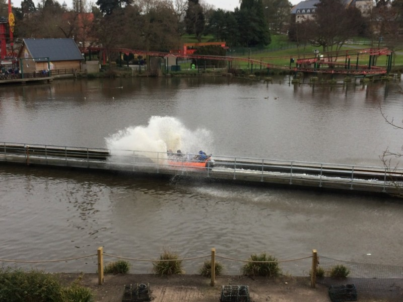 Drayton-Manor-Stormforce-10-Splashdown