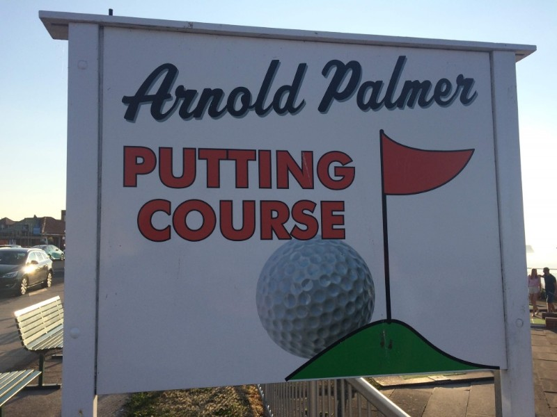 Arnold-Palmer-Putting-Course-Sign