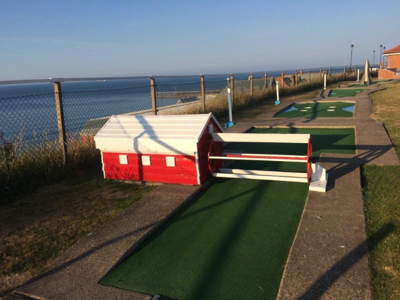 Arnold-Palmer-Putting-Course-Waterwheel