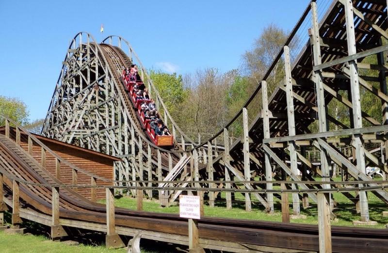 Gullivers-World-Warrington-The-Antelope-Train