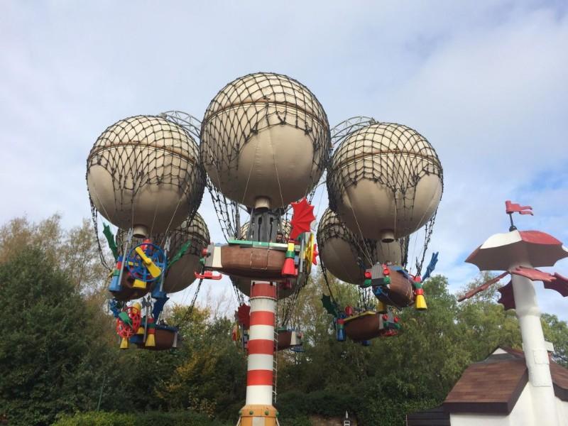 Legoland-Windsor-Resort-Balloon-School-Ride