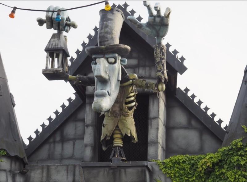 Adventure-Island-Over-The-Hill-2-Spooksville